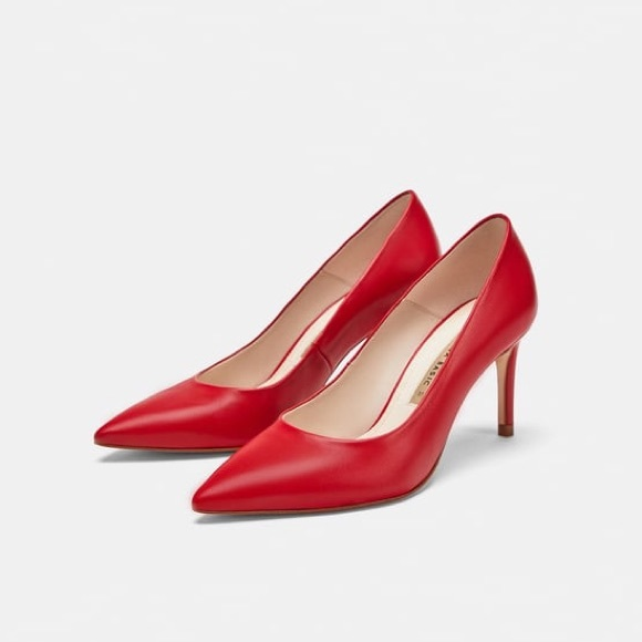 1dcb11a652a3 Zara classic red leather pumps